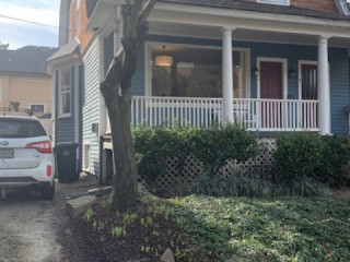 Great House in the heart of SE Belmont & Hawthorne....
