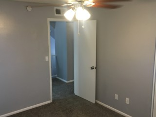 1 bed, shared bath in 3 bedroom townhome
