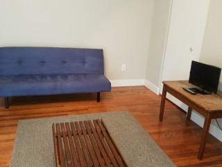 Goodfellow Boulevard 1 bedroom with parking, Netflix, WiFi